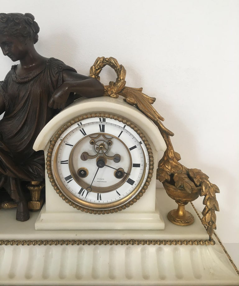 19th Century Neoclassical French Marble and Gilded Bronze Mantel Clock For Sale 7