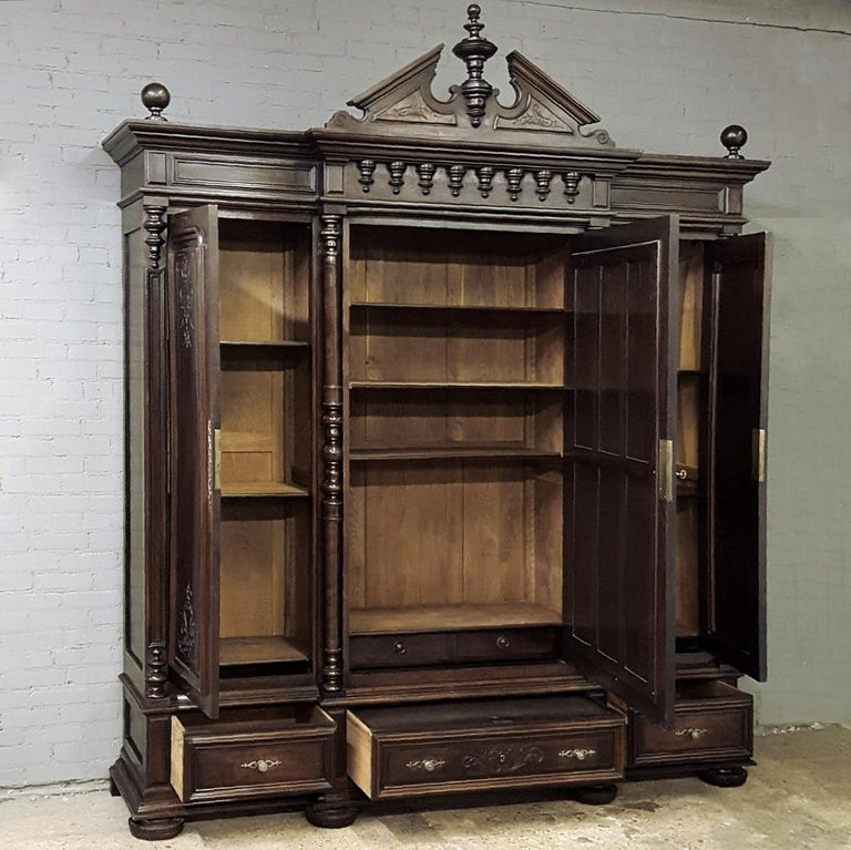 19th Century Neoclassical Revival Three-Door Armoire In Good Condition For Sale In Dallas, TX