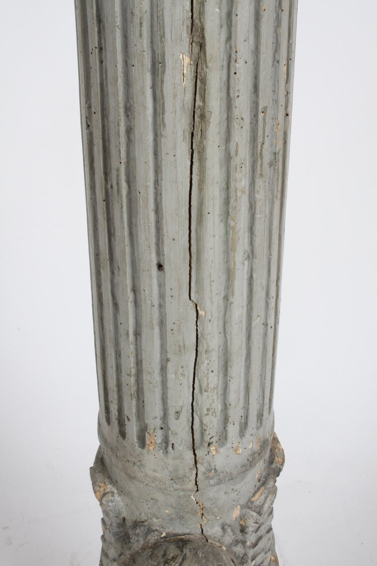 19th Century Neoclassical Wood Fluted Column with Carved Winged Angel Gray Paint In Good Condition For Sale In St. Louis, MO