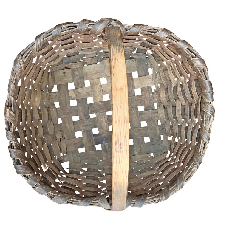 American 19th Century New England Gathering Basket For Sale