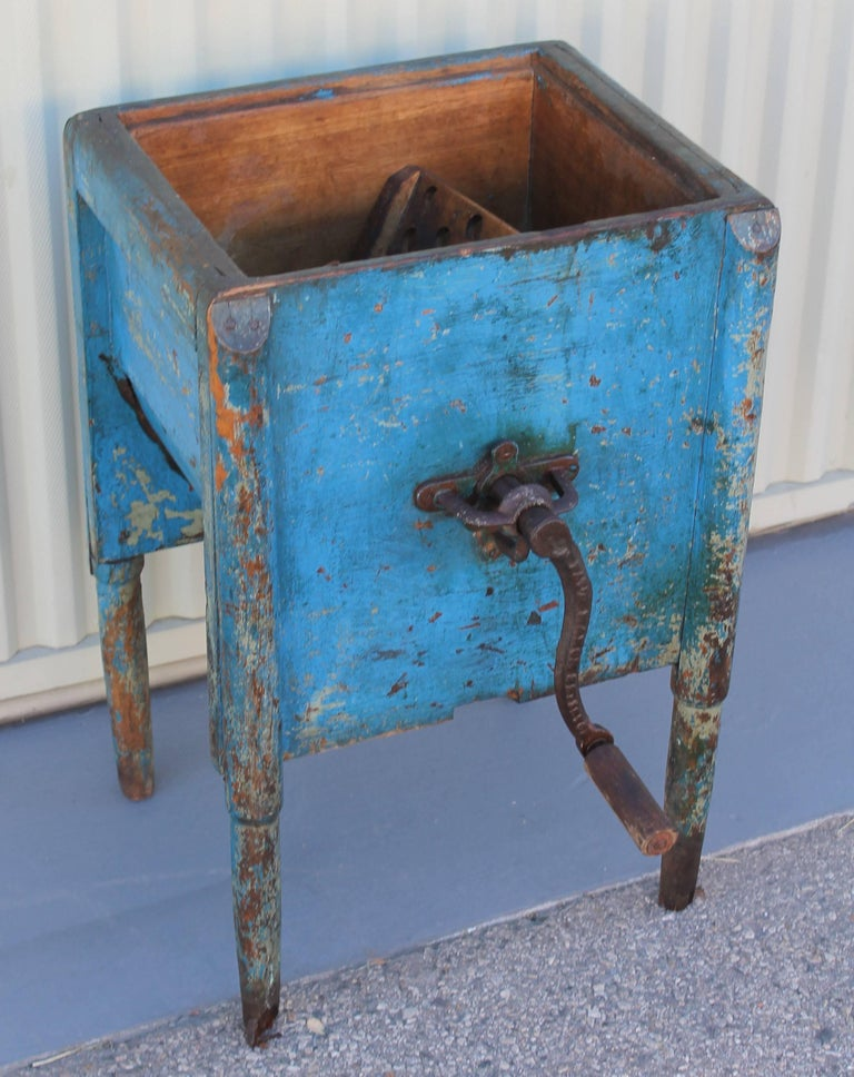 19th Century Original Blue Painted Butter Churn from New England In Excellent Condition For Sale In Los Angeles, CA