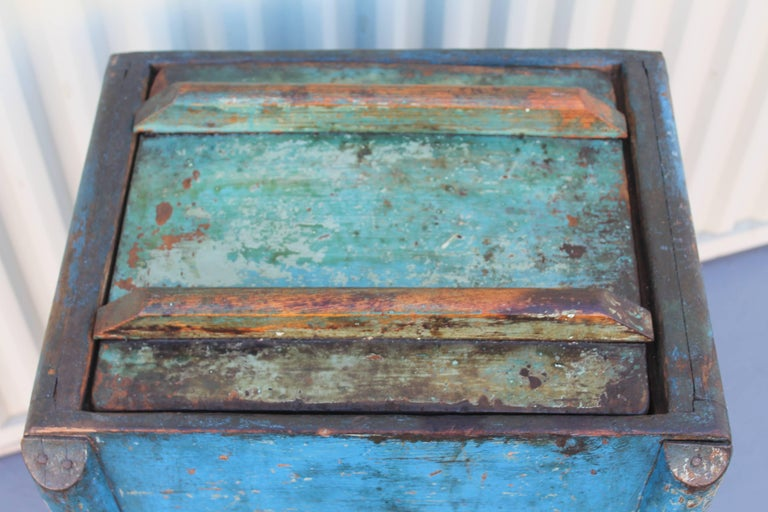 19th Century Original Blue Painted Butter Churn from New England For Sale 1