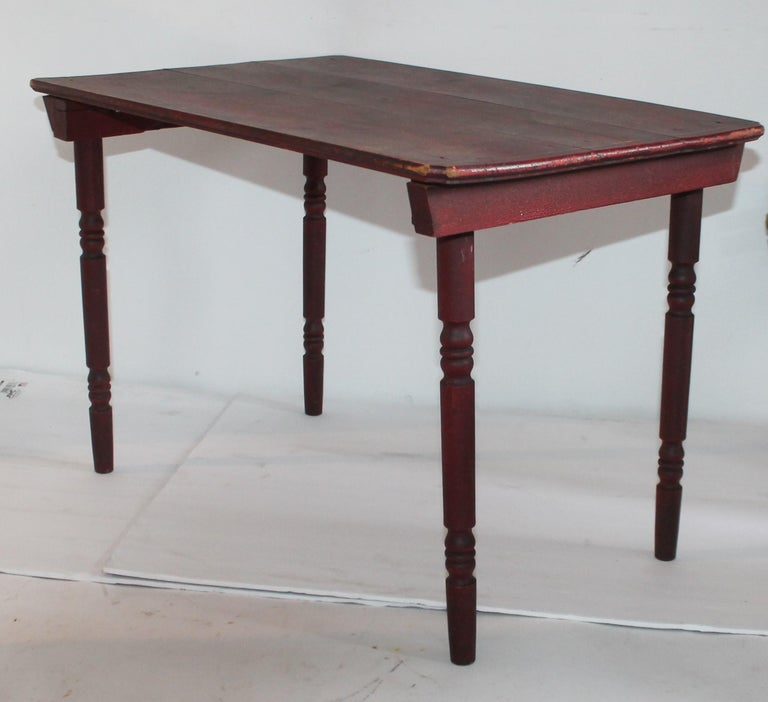 Adirondack 19th Century Original Red Painted Children's Table and Collection of Four Chairs For Sale