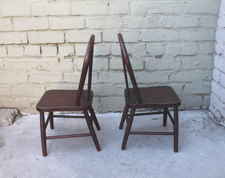 19th Century Original Red Painted Children's Table and Collection of Four Chairs In Good Condition For Sale In Los Angeles, CA