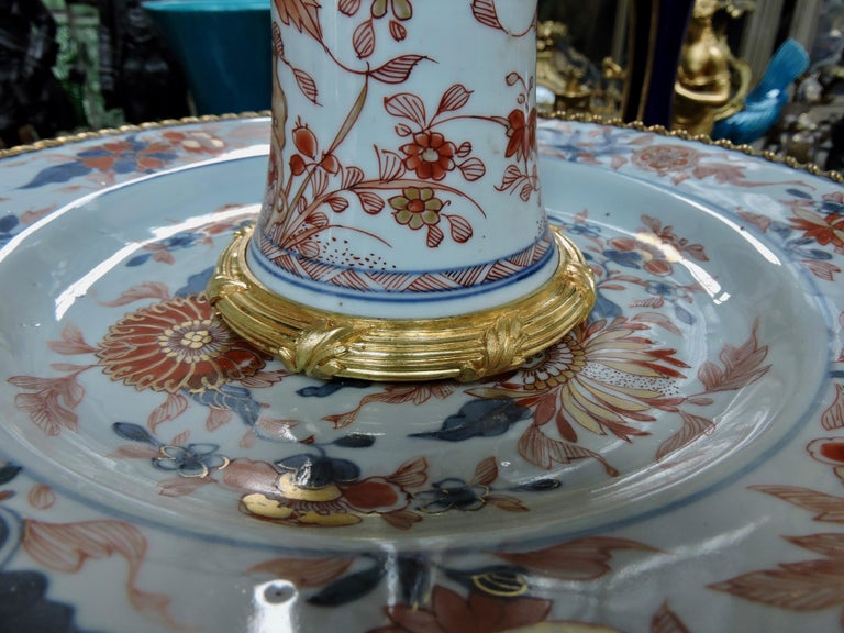 19th Century Ormolu-Mounted and 18th Century Chinese Porcelain Centrepiece For Sale 4