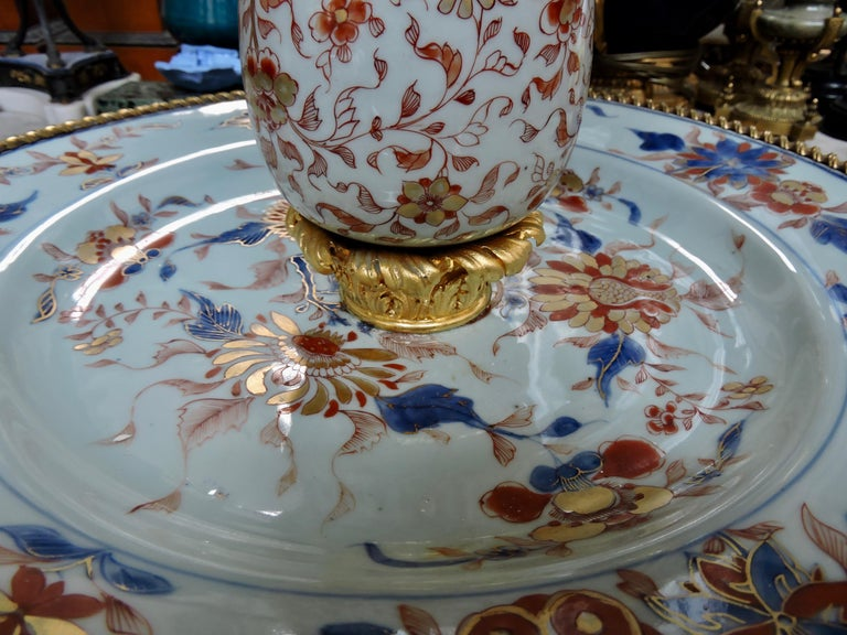 19th Century Ormolu-Mounted and 18th Century Chinese Porcelain Centrepiece For Sale 7