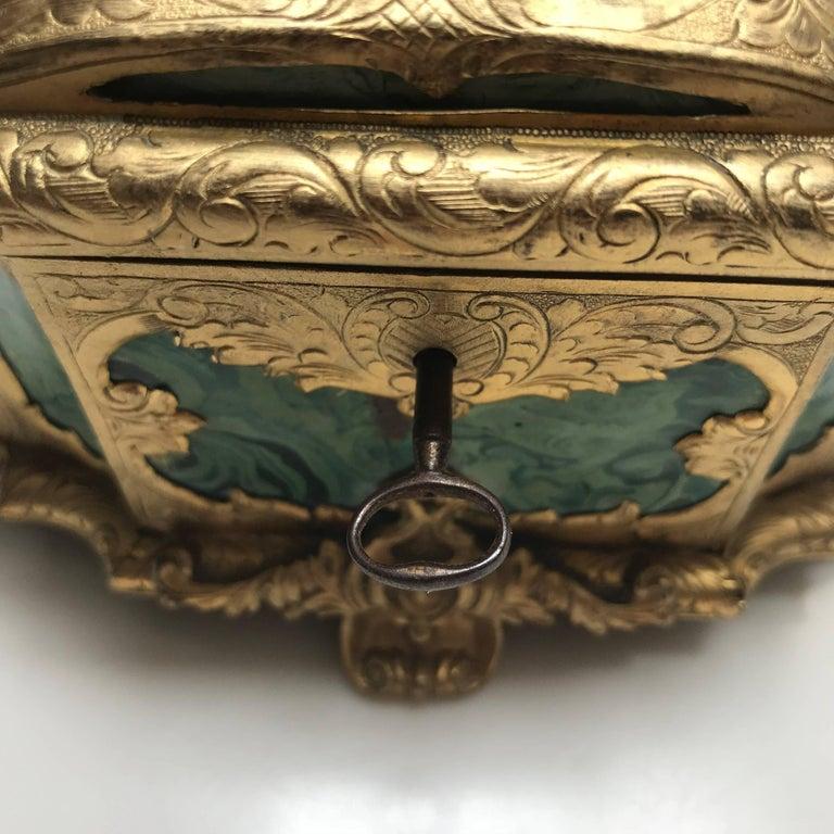 19th Century Ormolu-Mounted Faux Malachite Casket For Sale 7