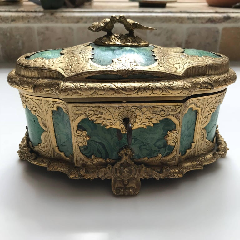 19th Century Ormolu-Mounted Faux Malachite Casket In Excellent Condition For Sale In Washington Crossing, PA
