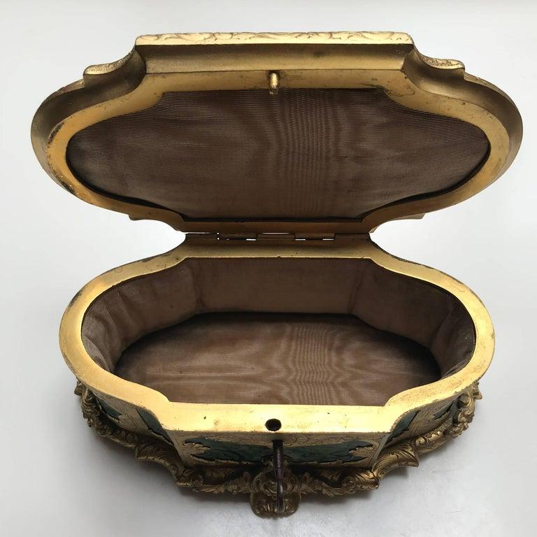 19th Century Ormolu-Mounted Faux Malachite Casket For Sale 5