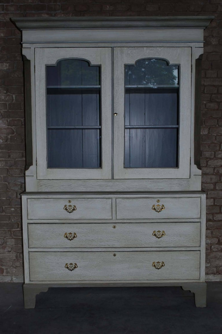 British 19th Century Painted Oakwood Kitchen Cabinet For Sale