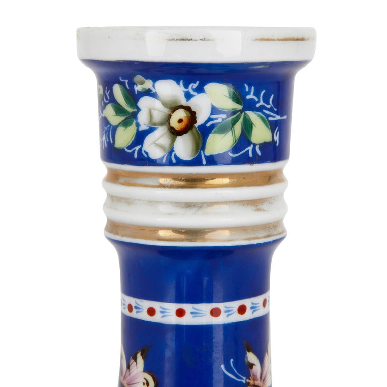 19th Century Painted Porcelain Huqqa Base In Good Condition For Sale In London, GB
