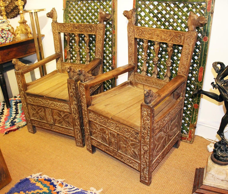 19th Century Pair of Bolivian Hand Carved Wooden Armchairs In Fair Condition For Sale In Malaga, ES