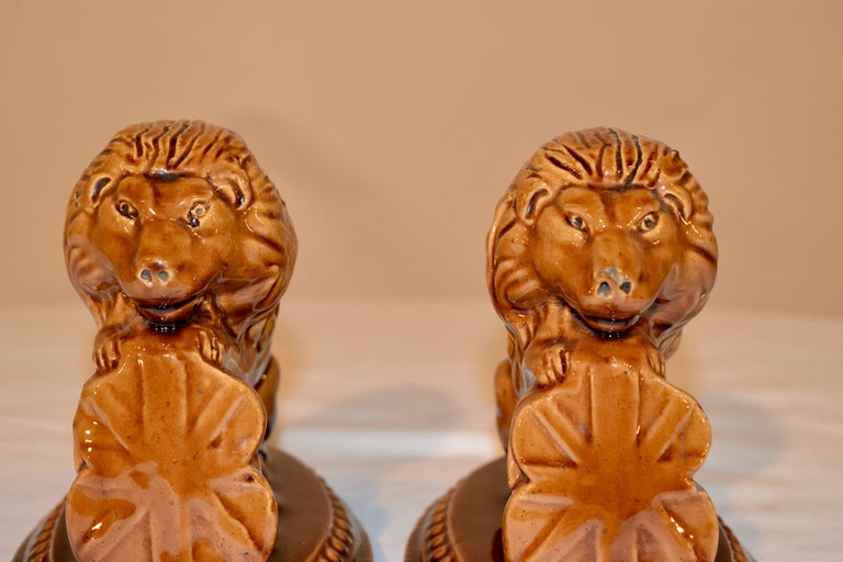 19th Century Pair of English Lion Figures In Good Condition For Sale In High Point, NC