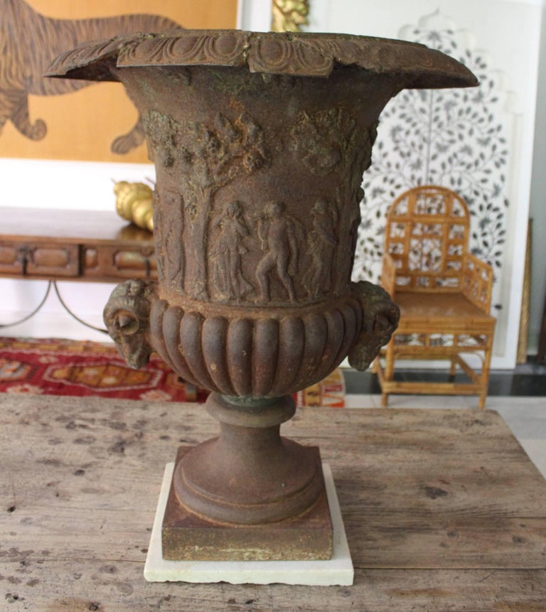 19th Century Pair of French Cast iron Planters For Sale 3