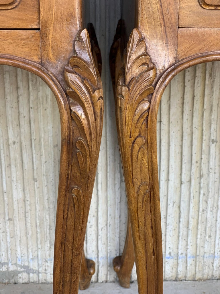 Marble 19th Century Pair of French Louis XV Carved Nightstands For Sale