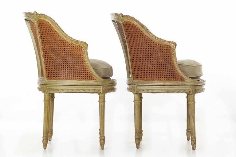 19th Century Pair of French Louis XVI Style Antique Roundback Armchairs In  Distressed Condition For Sale - 19th Century Pair Of French Louis XVI Style Antique Roundback