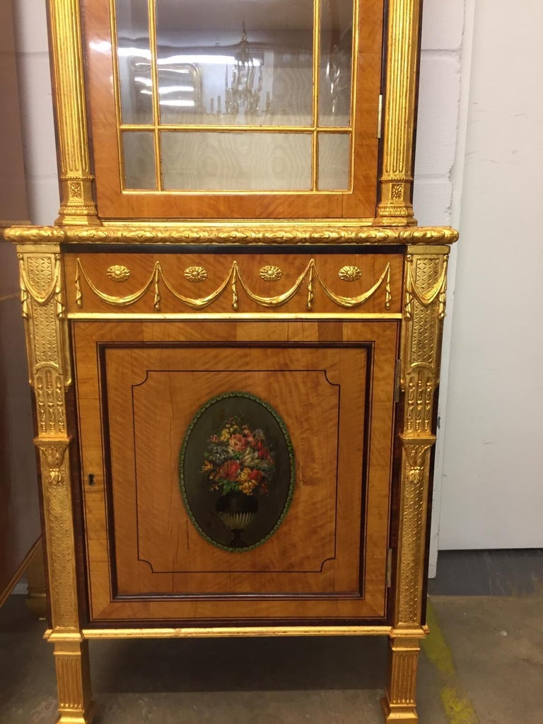 19th Century Pair of George III Style Painted and Parcel-Gilt Satinwood Cabinet In Good Condition For Sale In Roma, RM