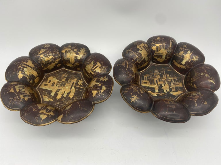 19th Century Pair of Golden Black Lacquer Chinese Plates For Sale 6