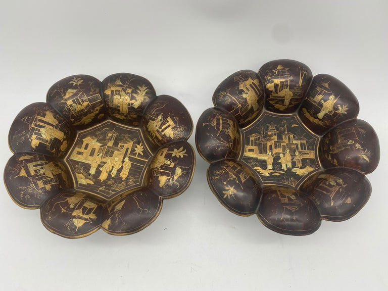 19th Century Pair of Golden Black Lacquer Chinese Plates For Sale 7