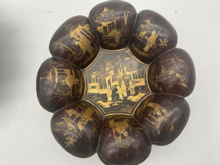 19th Century Pair of Golden Black Lacquer Chinese Plates In Good Condition For Sale In Brea, CA