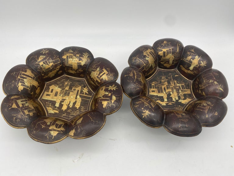 19th Century Pair of Golden Black Lacquer Chinese Plates For Sale 4