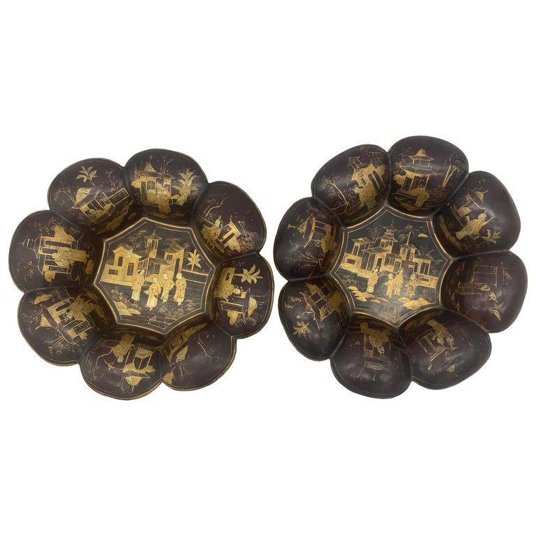 19th Century Pair of Golden Black Lacquer Chinese Plates For Sale