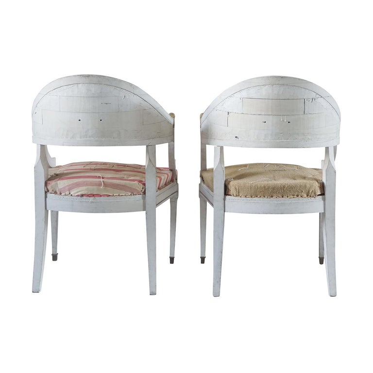 Hand-Carved 19th Century Pair of Gustavian Armchairs For Sale