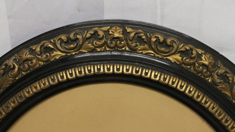 European 19th Century Pair of Imported Decorative Oval Framed Vintage Portraits For Sale