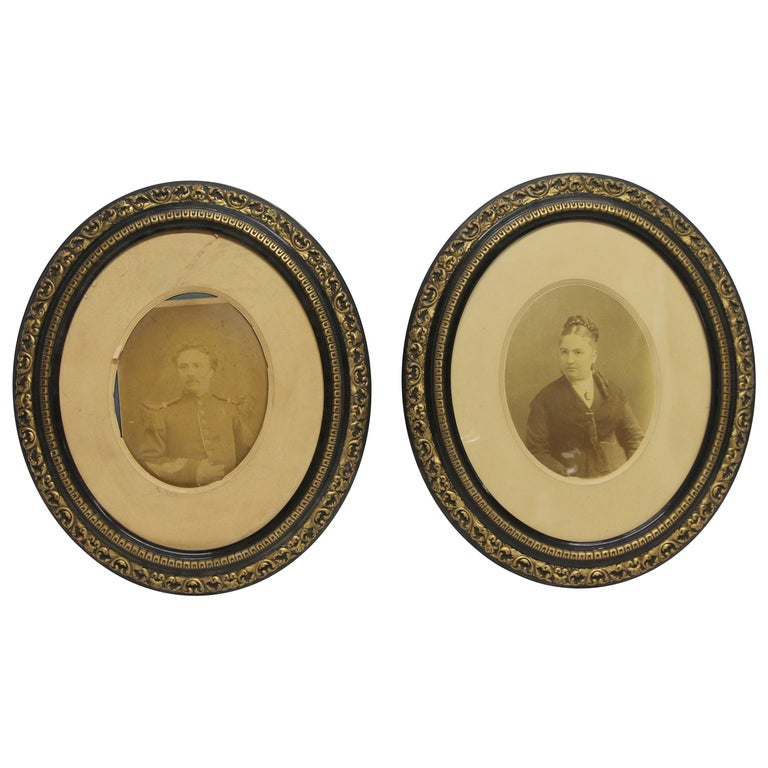 19th Century Pair of Imported Decorative Oval Framed Vintage Portraits For Sale