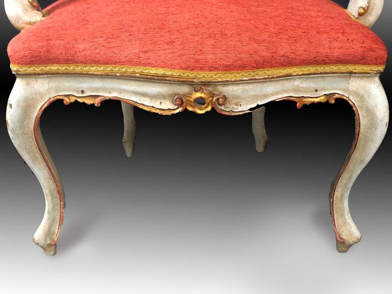 19th Century Pair of Italian Armchairs Painted and Parcel Gilt For Sale 1