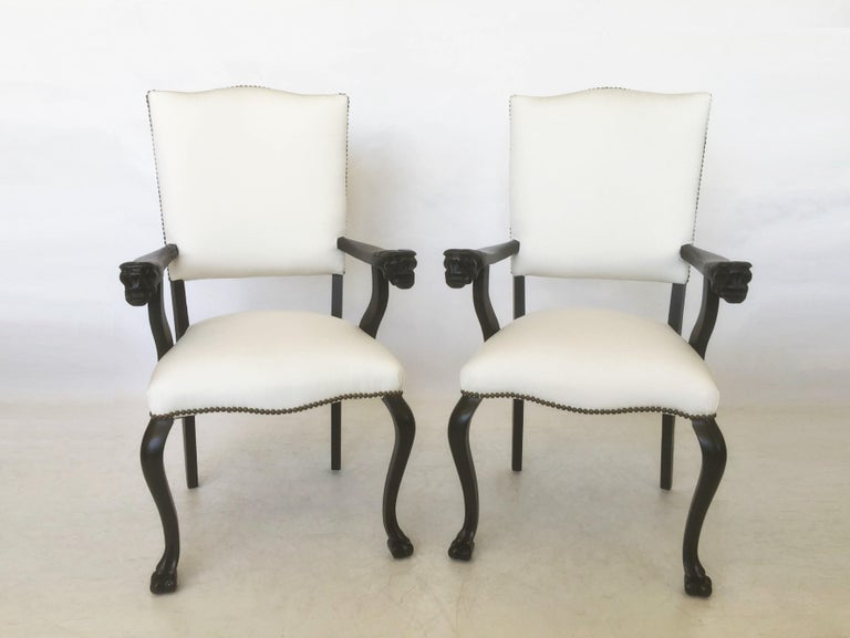 19th Century Pair of Italian Carved Walnut Armchairs For Sale 1