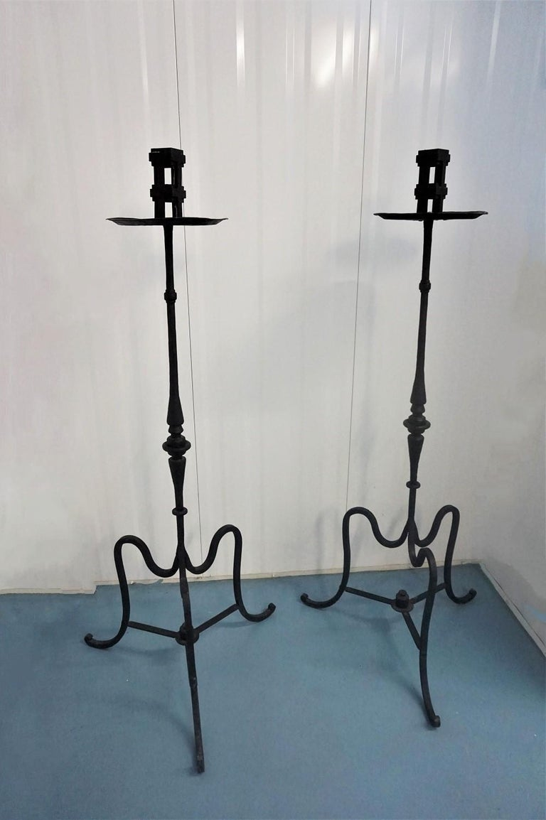 Renaissance Revival Early 19th Century Pair of Italian Wrought Iron Church Torchères, Candleholders For Sale