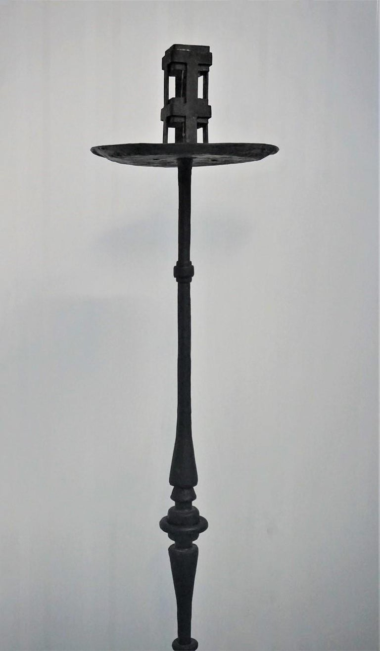 Early 19th Century Pair of Italian Wrought Iron Church Torchères, Candleholders For Sale 3