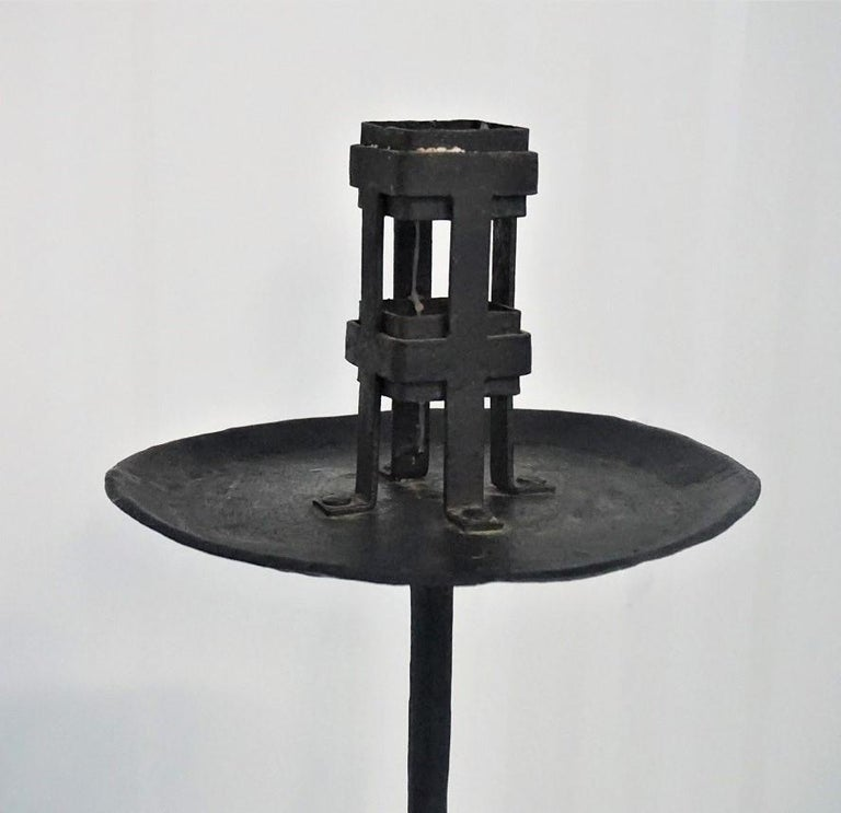 Early 19th Century Pair of Italian Wrought Iron Church Torchères, Candleholders For Sale 4