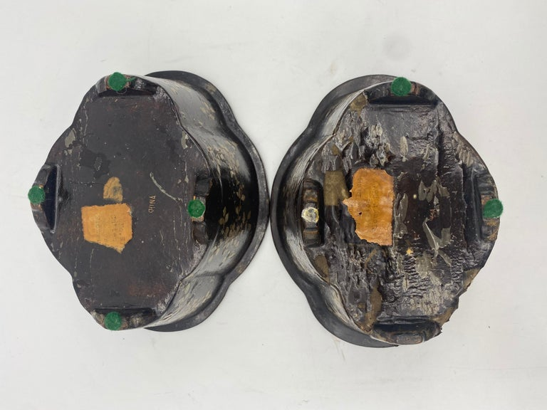 19th Century Pair of Lacquer Chinese Jardinières Inlay with Mother of Pearl For Sale 11