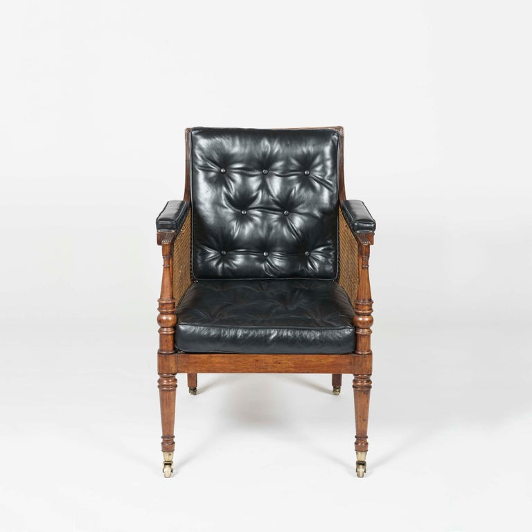 Regency 19th Century Pair of Mahogany and Black Leather Armchairs attributed to Gillows For Sale