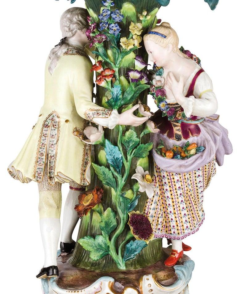 German 19th Century Pair of Meissen Porcelain Centerpieces For Sale