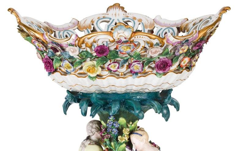 19th Century Pair of Meissen Porcelain Centerpieces In Good Condition For Sale In , IT