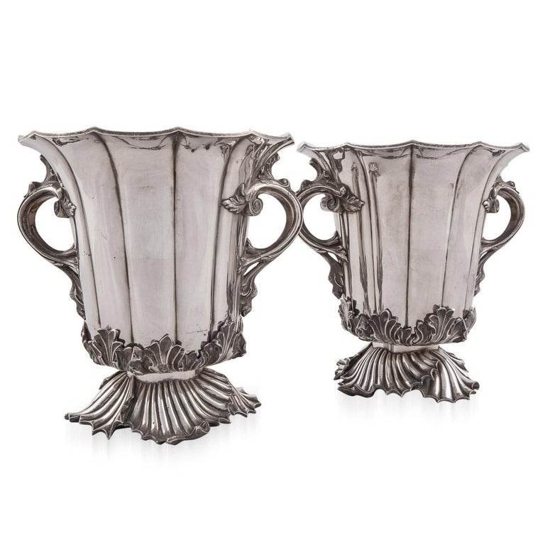 English 19th Century Pair of Old Sheffield Plated Wine Coolers, Sissons & Co, c.1840 For Sale