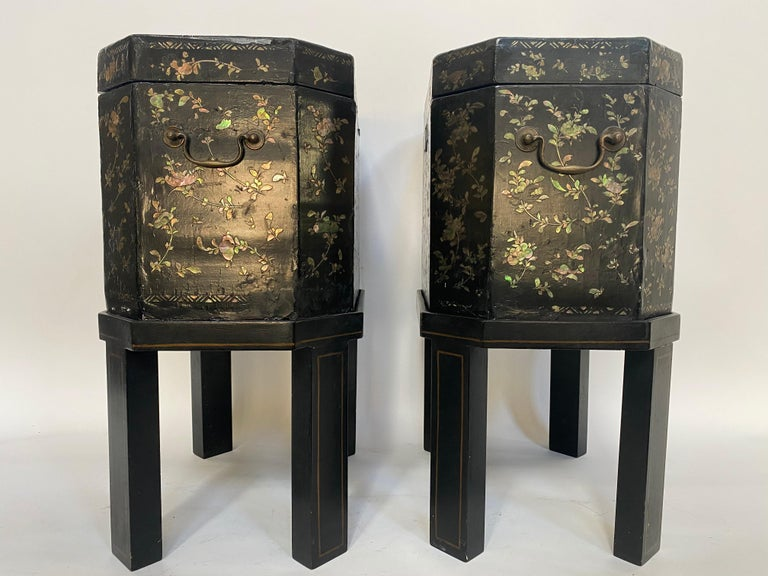 19th Century Unique Pair of Shell Inlaid Black Lacquer Big Chinese Tea Caddies In Good Condition For Sale In Brea, CA