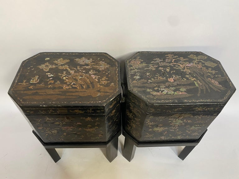 19th Century Unique Pair of Shell Inlaid Black Lacquer Big Chinese Tea Caddies For Sale 4