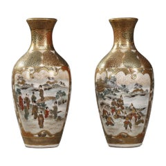 19th Century Pair of Small Vases with Battle Scenes