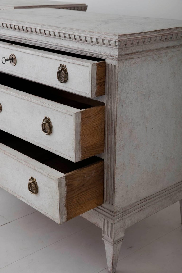 19th Century Pair of Swedish Gustavian Bedside Commodes with Marbleized Tops For Sale 5