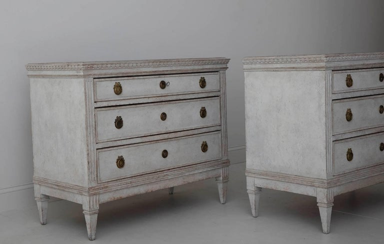 19th Century Pair of Swedish Gustavian Bedside Commodes with Marbleized Tops For Sale 3