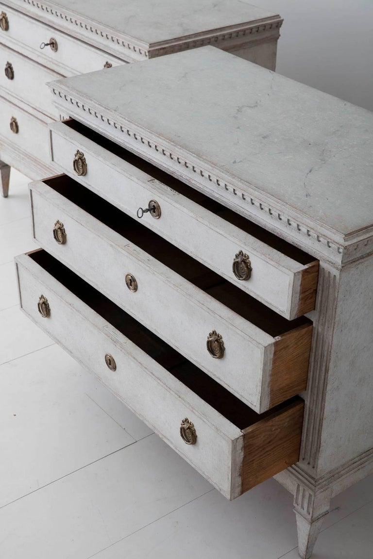 19th Century Pair of Swedish Gustavian Bedside Commodes with Marbleized Tops For Sale 4