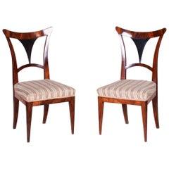19th Century Pair of Walnut Austrian Biedermeier Chairs, Wien, Period 1810-1819
