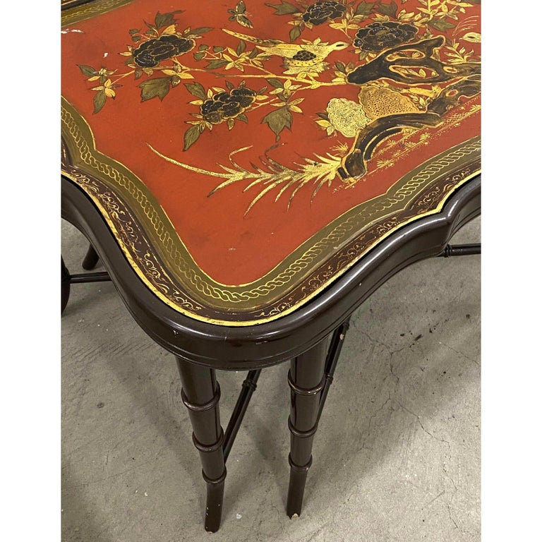 Hand-Painted 19th Century Papier Mâché English Chinoiserie Tray Table