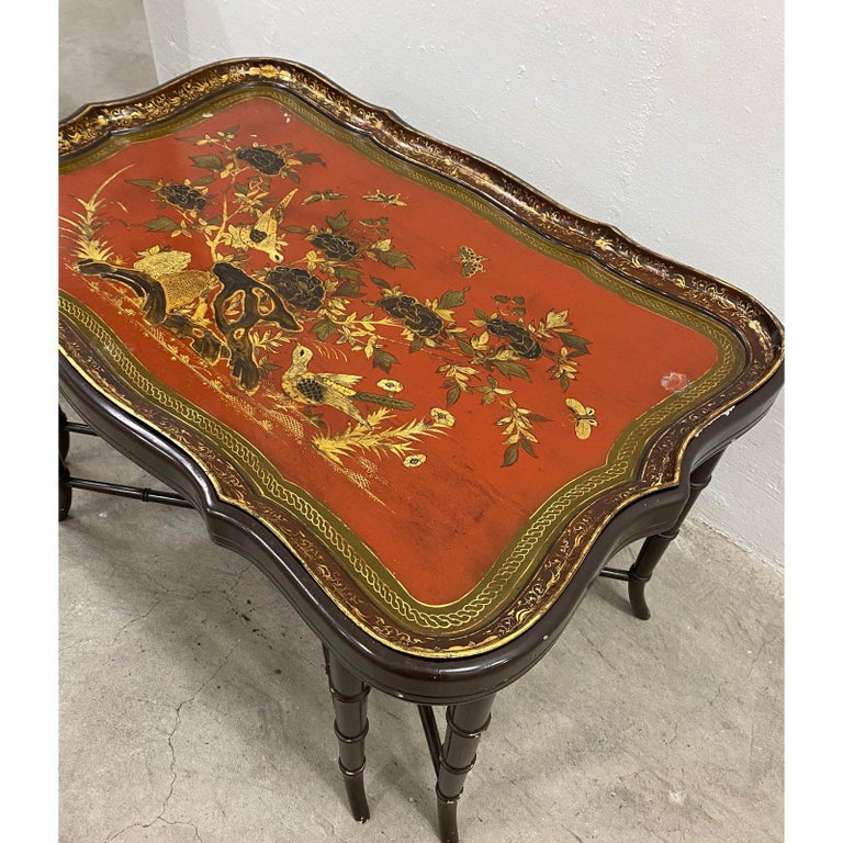 Composition 19th Century Papier Mâché English Chinoiserie Tray Table