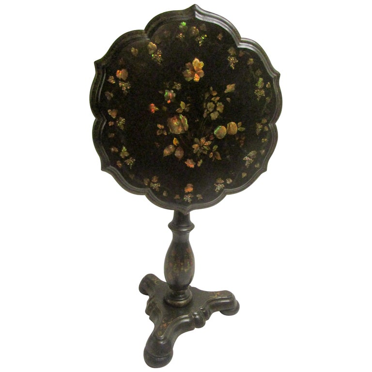 19th Century Papier-Mâché Tilt-Top Table with Inlaid Mother of Pearl For Sale