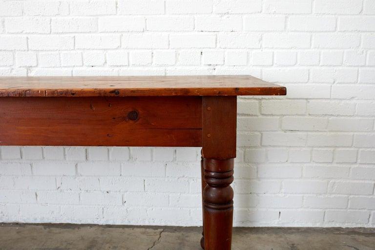 19th Century Pennsylvania Dutch Farmhouse Harvest Table For Sale 3